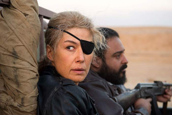 Photo: Rosamund Pike in 'A Private War.' Photo by Aviron Pictures - © Aviron Pictures